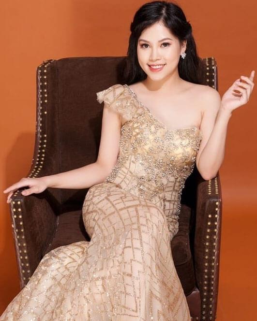 Nguyễn Thị Thanh Hương là doanh nhân, chuyên gia marketing online, phù thủy content (Boss Hương)