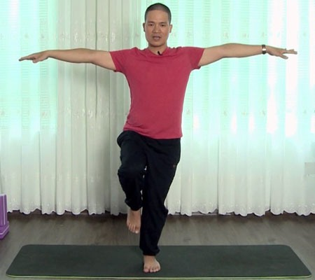 Alex Vinh là Giảng viên - Huấn luyện viên Yoga Quốc tế nhiều kinh nghiệm